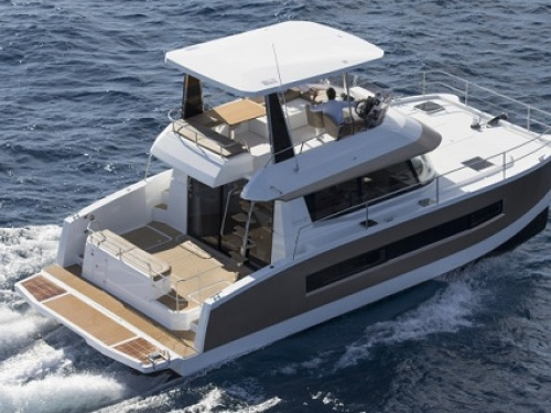 Fountaine-Pajot MY 37 Running